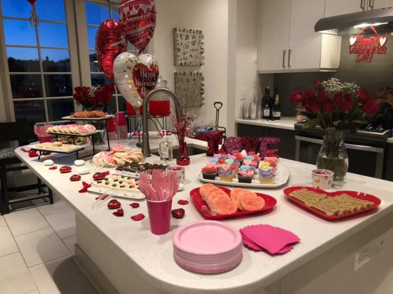 Table with Valentine's Day themed dessert