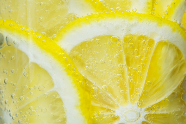 Upclose photo of lemons in water